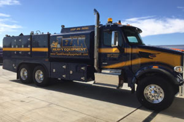 service-truck1EBEF436-5364-525A-9DB2-6948990A153E.jpg